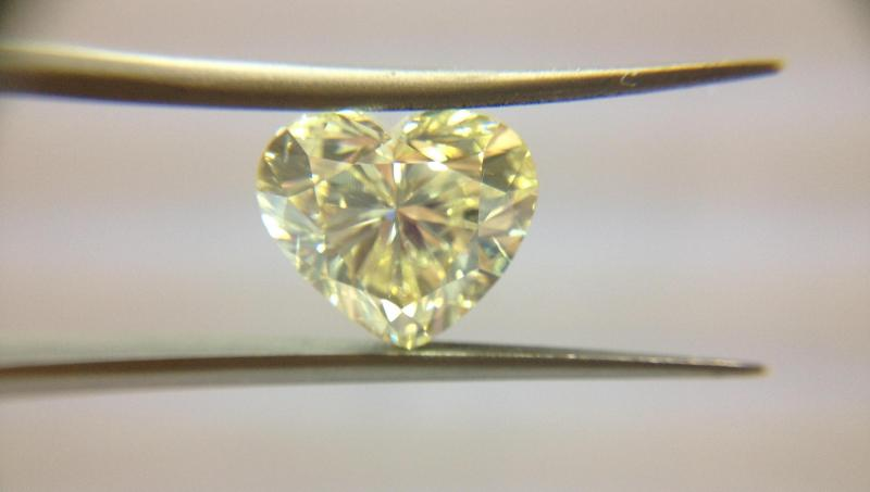 6.00ct NATURAL FANCY YELLOW DIAMOND HEART SHAPE